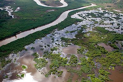 Verschmutzte Flussauen - p3560085 von Stephan Zirwes