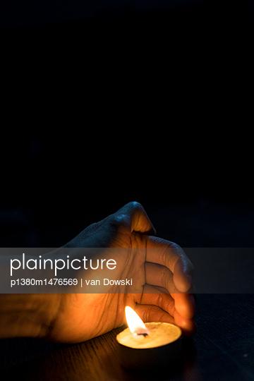 Kerzenlicht - p1380m1476569 von van Dowski