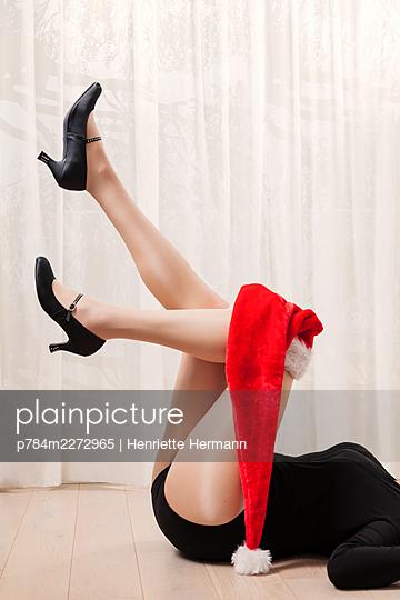 Sexy christmas - p784m2272965 by Henriette Hermann