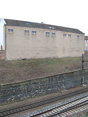 Haus an Gleisen - p9793363 von Ziegler