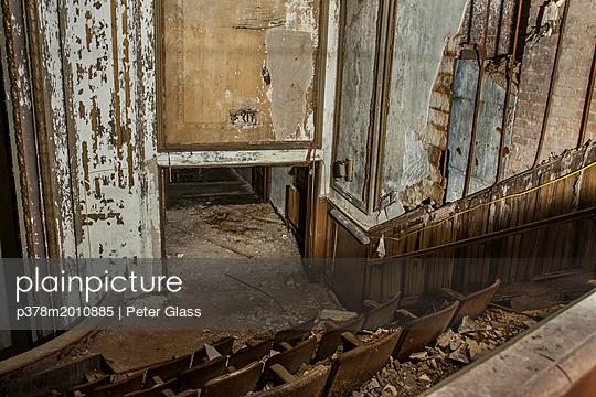 p378m2010885 von Peter Glass