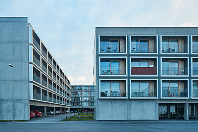 Residential building with parking space - p312m1470675 by Johan Alp