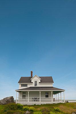 Haus an der Küste von Yarmouth in Nova Scotia - p470m2053080 von Ingrid Michel