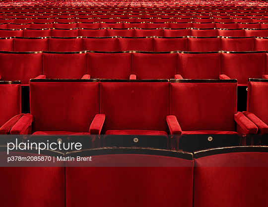 Red theatre seats - p378m2085870 by Martin Brent