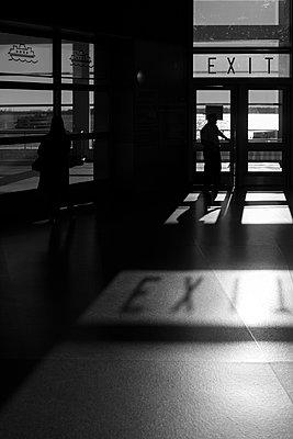 exit - p1340m1425993 von Christoph Lodewick