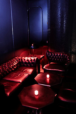 Sitting Area in Nightclub, New York City, USA - p694m663752 by Maria K