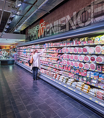 Supermarket - p1209m2245625 by Guido Erbring
