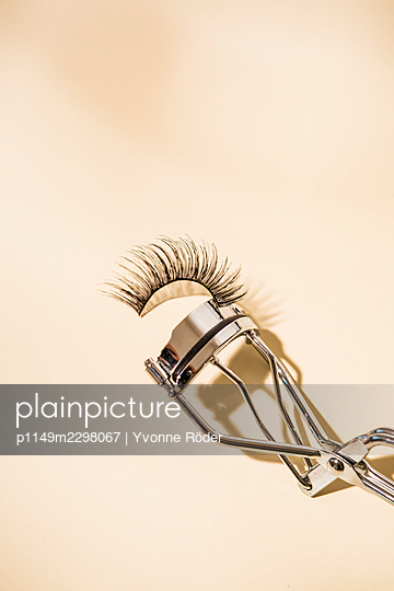Fake lashes - p1149m2298067 by Yvonne Röder