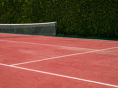 Tennis court - p1021m1585756 by MORA