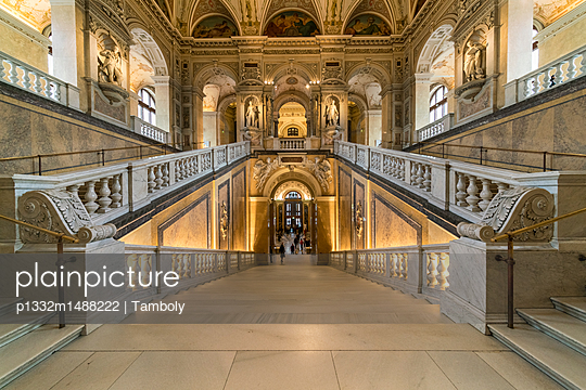 Natural History Museum, Vienna - p1332m1488222 by Tamboly