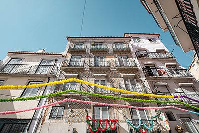 Portugal, Lisbon, Festival - p335m2177658 by Andreas Körner