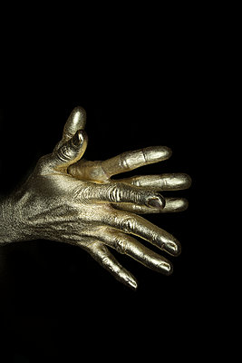 Gold Finger - p427m1110706 von R. Mohr
