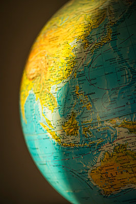 Globe - p1418m1571767 by Jan Håkan Dahlström