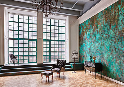Design loft with panorama window in factory - p390m1477092 by Frank Herfort