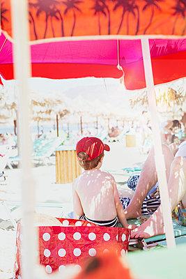 Summer memories - p454m2030937 by Lubitz + Dorner