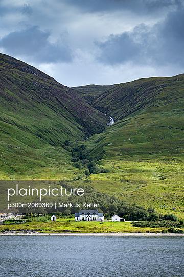 United Kingdom, Scotland, Scottish Highland, Sutherland, Aultanrynie, desert village settlement - p300m2069369 by Markus Keller