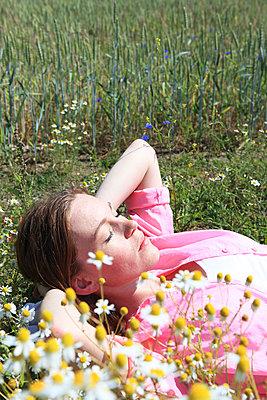 Sonnenbad im Frühling - p0452769 von Jasmin Sander