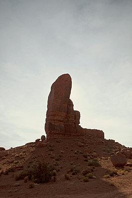 Monument Valley - p1525m2087253 von Hergen Schimpf