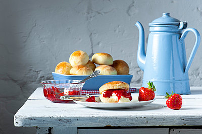 Scones - p936m694562 by Mike Hofstetter