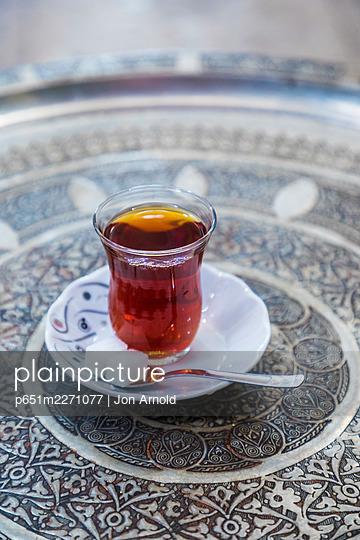 Traditional Turkish tea, Grand Bazaar, Istanbul, Turkey - p651m2271077 by Jon Arnold