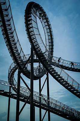 Tiger & Turtle Magic Mountain Duisburg - p401m2187924 von Frank Baquet
