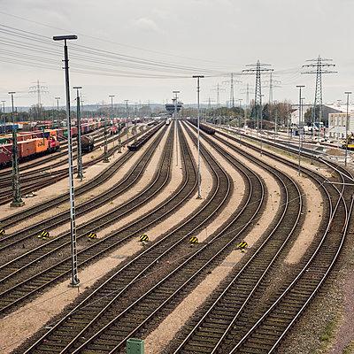 Gleise im Hamburger Hafen - p1515m2053454 von Daniel K.B. Schmidt