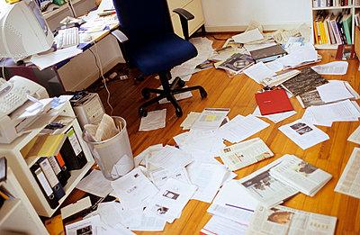 Chaos im Arbeitszimmer - p2190145 von Carsten Büll