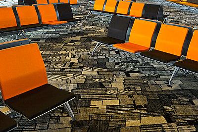 Singapore, Waiting room of singapore changi airport - p300m879706 by Valentin Weinhäupl