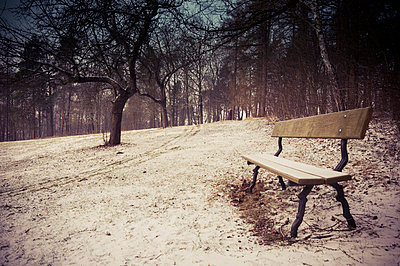Germany, bench at winter landscape - p300m980353f by Jana Mänz