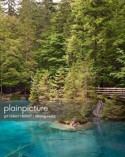 Blausee in der Schweiz - p1124m1150047 von Willing-Holtz