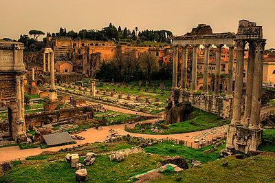 Rom im Frühling - p1620056 von Beate Bussenius