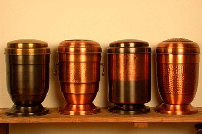 Vier Urnen - p1650249df von Andrea Schoenrock