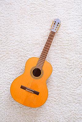 Guitar - p1149m2280195 by Yvonne Röder