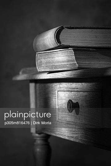 alte Bücher - p305m816476 von Dirk Morla