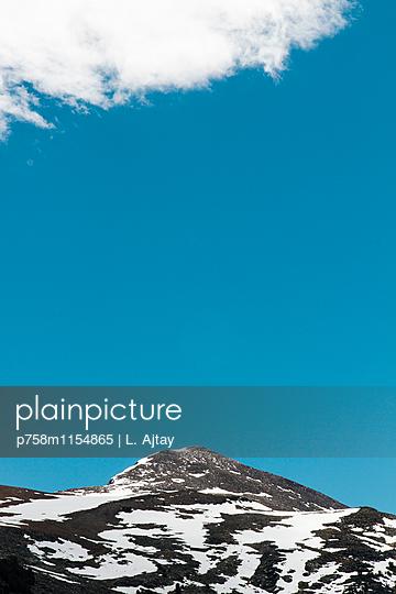 Berggipfel im Yosemite Nationalpark - p758m1154865 von L. Ajtay