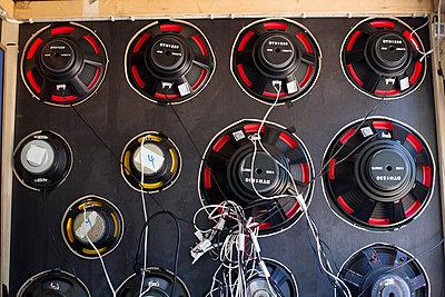 Amplifier - p1204m1055574 by Michael Rathmayr