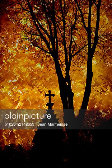 Apocalypse - p1028m2142659 by Jean Marmeisse