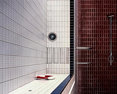 Schwimmbad - p962m668615 von Robert Schlossnickel