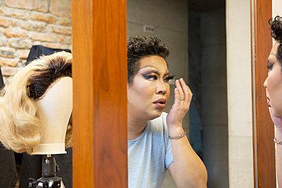 Transformation into a Drag Queen - p817m2288305 by Daniel K Schweitzer