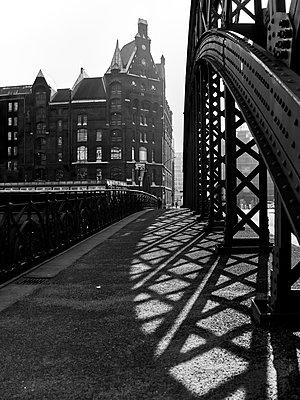Germany, Hamburg, Speicherstadt - p1686m2288568 by Marius Gebhardt