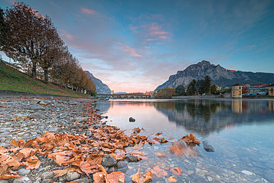 Sunrise on River Adda, Lecco, Lombardy, Italy, Europe - p871m2003514 by Roberto Moiola