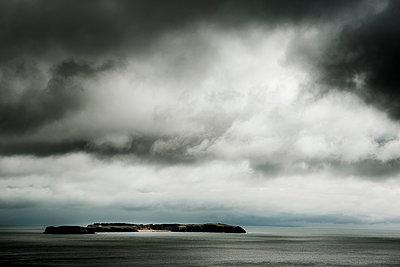 Insel am Horizont - p1057m1220637 von Stephen Shepherd