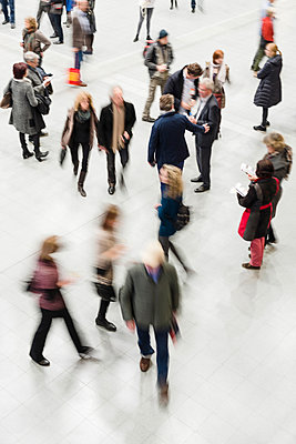 People on the move - p335m1137104 by Andreas Körner