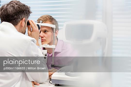 p300m1166633 von Milton Brown