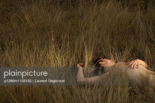 Le dormeur du val - p1286m1105192 by Laurent Deglicourt