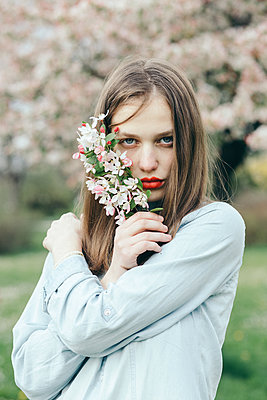 A cherry blossom girl - p1166m2106908 by Cavan Images