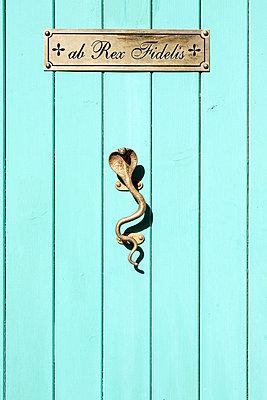 Old door - p534m2115752 von Susanna Ferran Vila