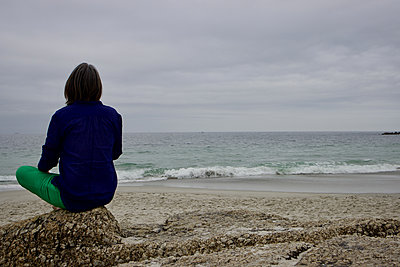 South Africa, Woman on the beach - p1640m2245796 by Holly & John
