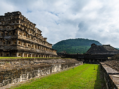 Pyramid of the Niches, Pre-Columbian archaeological site of El Tajin, UNESCO World Heritage Site, Veracruz, Mexico, North America - p871m2178284 by Michael Runkel