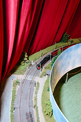 Model railway - p1085m2007811 by David Carreno Hansen